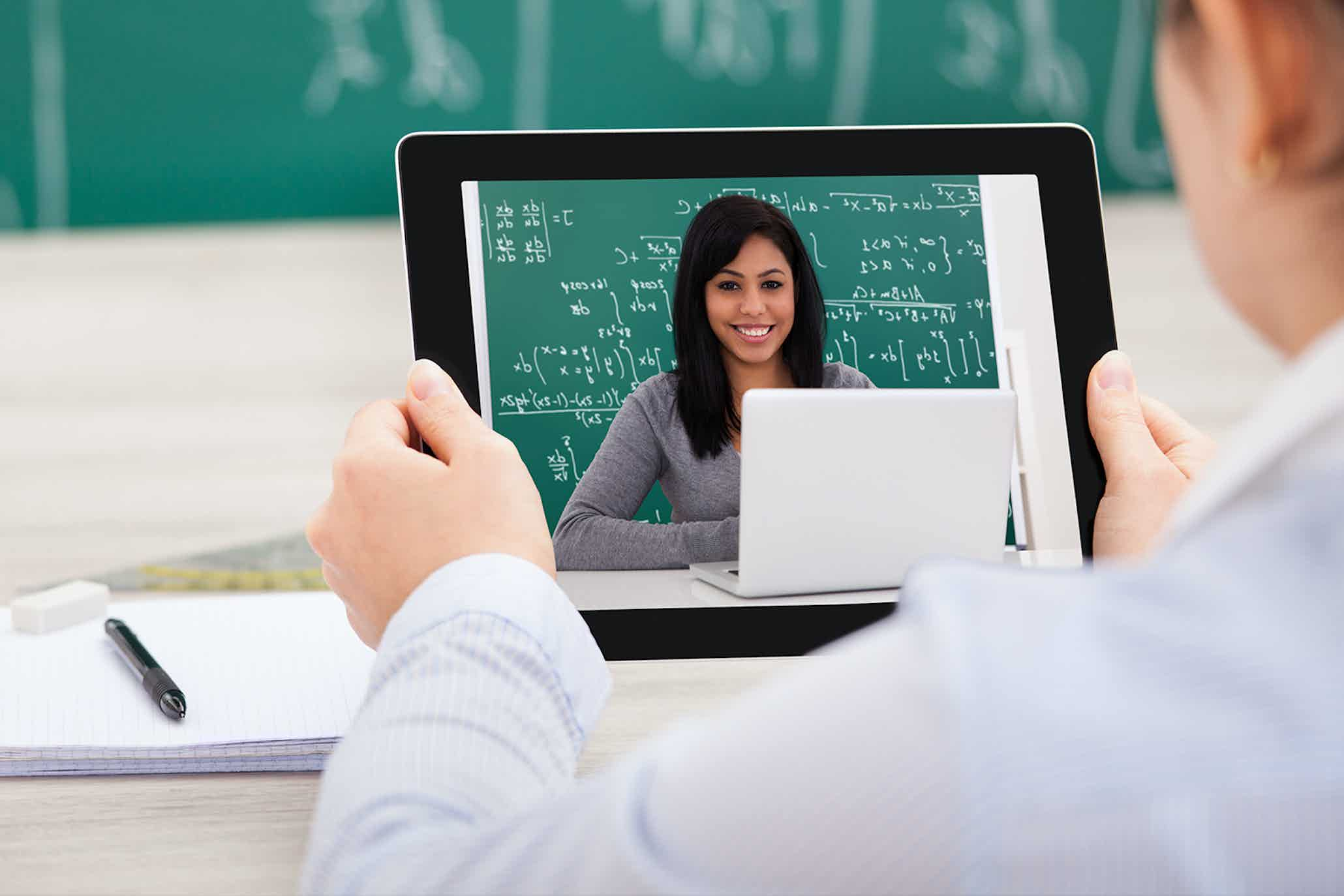 Will Online Learning Replace the Classroom? | Online Digital ...